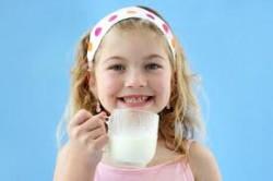 Πόσο γάλα να πίνει ένα παιδί