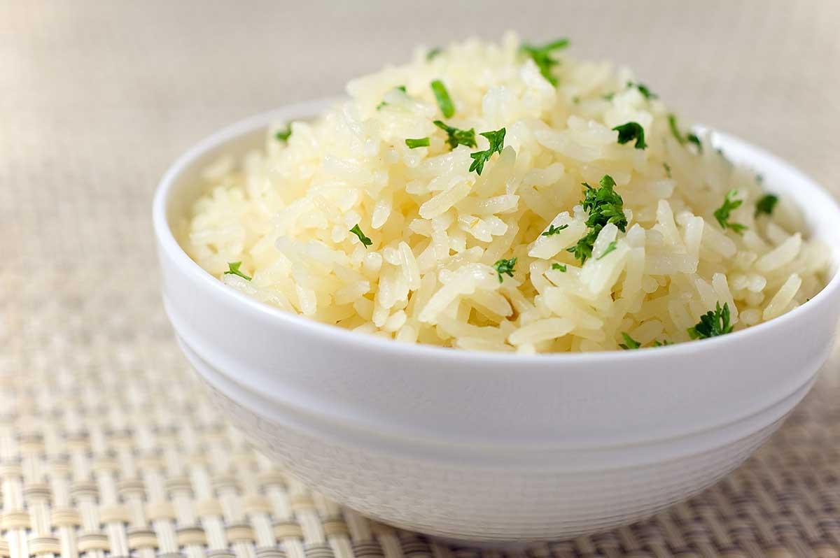 Αυξήστε το ανθεκτικό άμυλο στο ρύζι και μειώστε τις θερμίδες κατά 50%