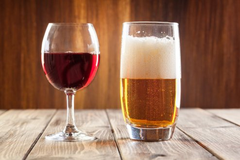 Red wine glass and glass of light beer 5